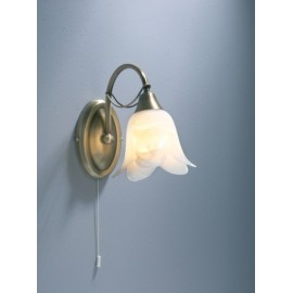 Doublet 1 light wall bracket switched